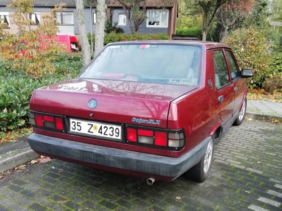 türkische Lizenzfertigung eines Fiat 131 : ein Tofas Dogan,heute in Langenfeld gesichtet.