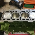 Motor im Aufbau